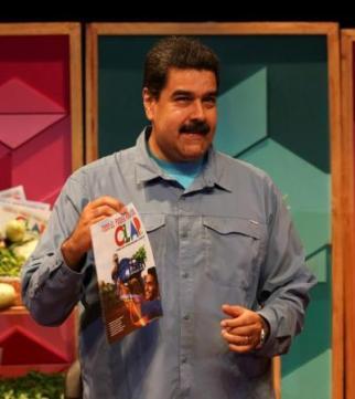 Imagen cedida a Reuters del presidente de Venezuela, Nicolás Maduro, en un evento relativo a los Comités Locales de Abastecimiento y Producción en Caracas