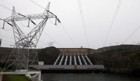 Vista geral de uma hidrelétrica de Furnas