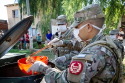Argentine Army Comes Out To Assist Vulnerable Populations